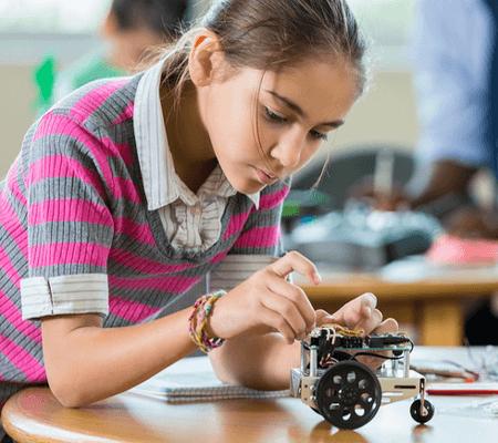 Robotics Classes for School Students